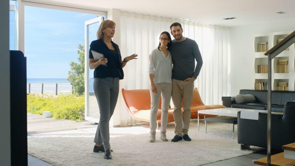8 Tips on Selling Homes: Real Estate Investing | LendingHome